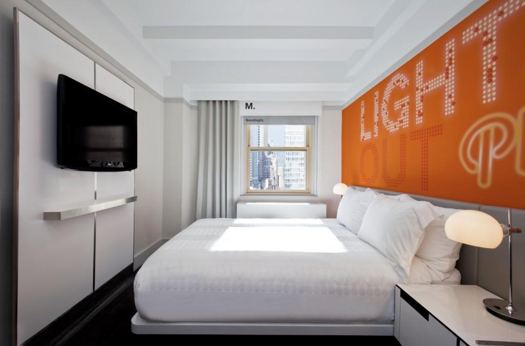 Row NYC Orange Queen Room