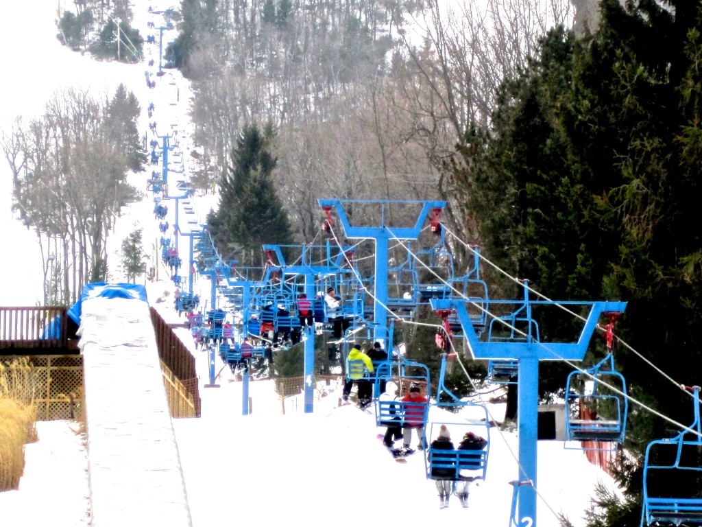 camelback-poconos-ski-resort-bright-blue-ski-lifts