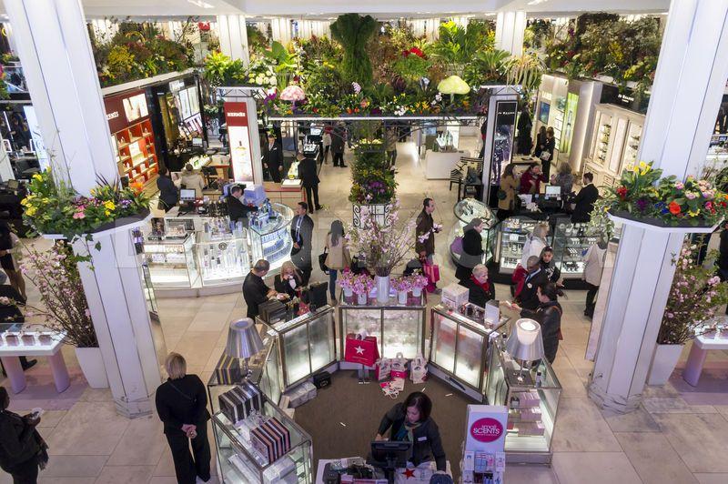 1395609948-macys-annual-flower-show-heralds-spring-in-new-york_4280502