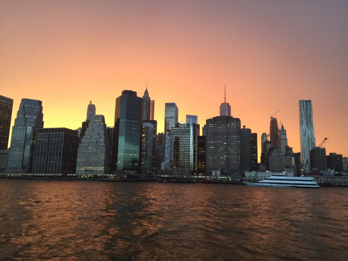 Jantar no rio Hudson em Nova York