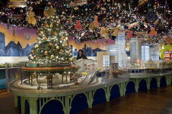 the_grand_central_holiday_train_show