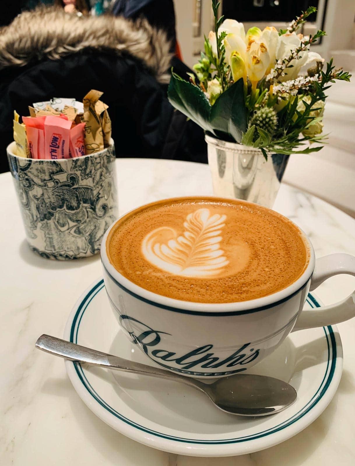 cafeterias em Nova York - ralph's coffee