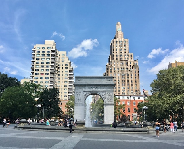 Washington Square Park em agosto em Nova York